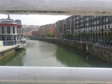 Muelle de Marzana y Ría de Bilbao