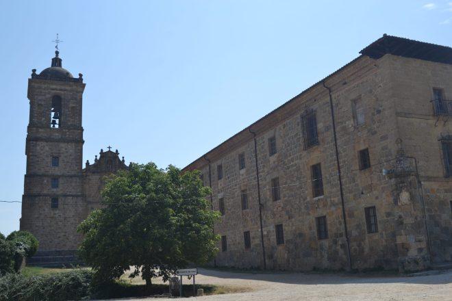 Monasterio de Irache y antiguo hospital de peregrinos