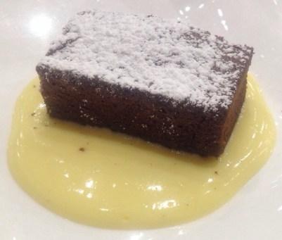 Brownie casero tibio