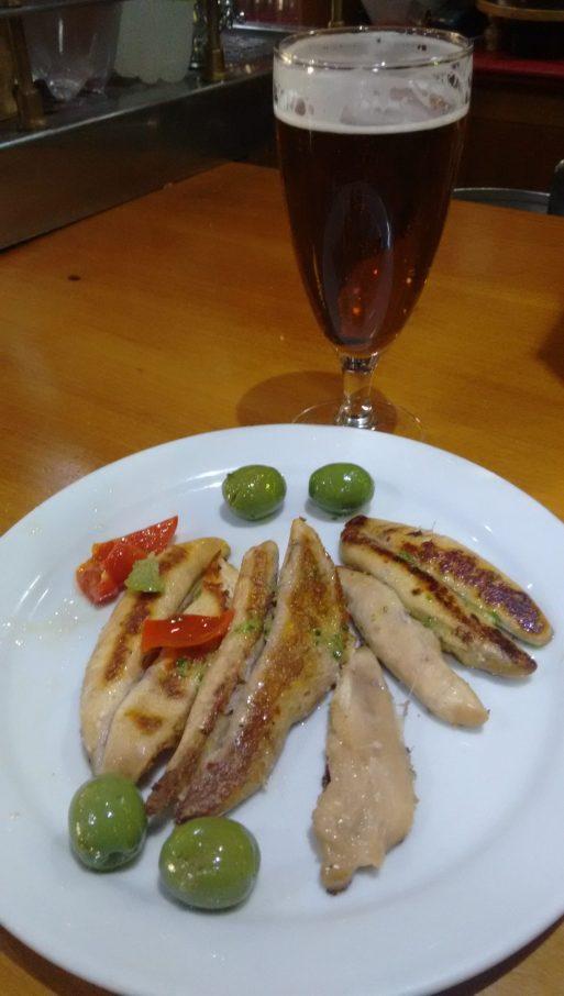 Caña de cerveza Sureña y Tapa de Huevas de Caballa