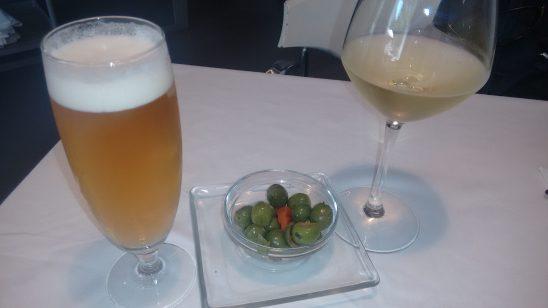 Cerveza y Albariño Kentia con su tapa