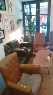 Sofas del Bihotz Café Bilbao
