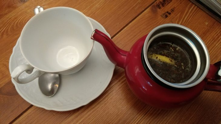 Té negro con limón y jengibre