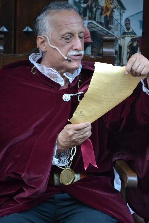 El Oidor lee las nuevas capitulaciones