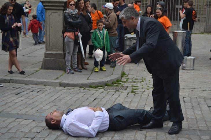 Tercera Frontera en plena actuación en las calles de Ávila