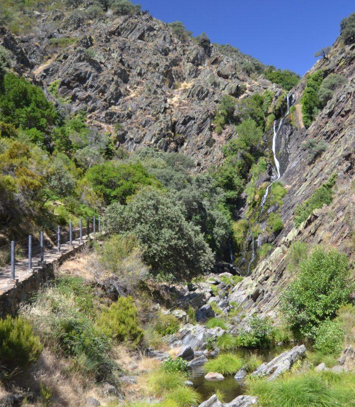 Cascada del Chorrituelo en Ovejuela, Las Hurdes