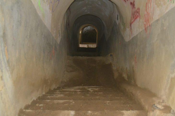 Túnel subterráneo del bunker