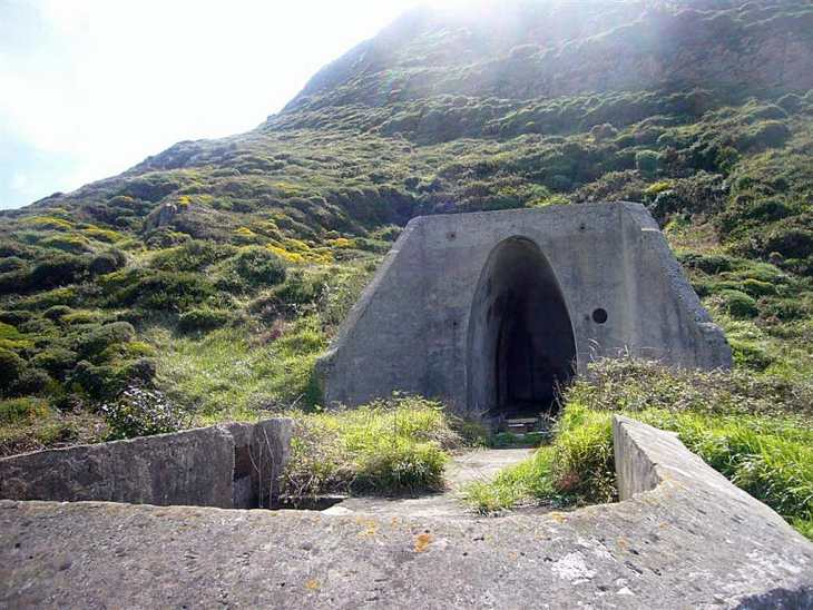 Bunkers y emplazamiento de focos
