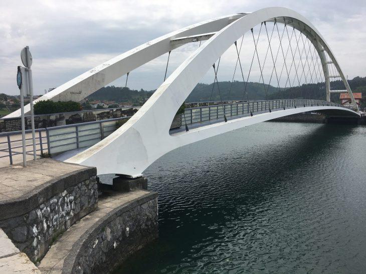 Puente del metro de Plentzia