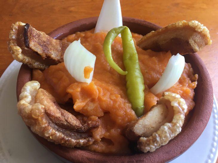Patatas revolconas del Bar Gredos de Hoyos del Espino