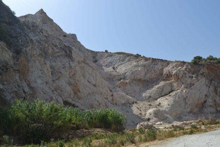 Cantera de la ruta por el Río Chillar en Nerja