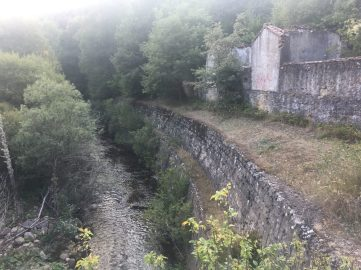 Antiguos edificios de La Engaña