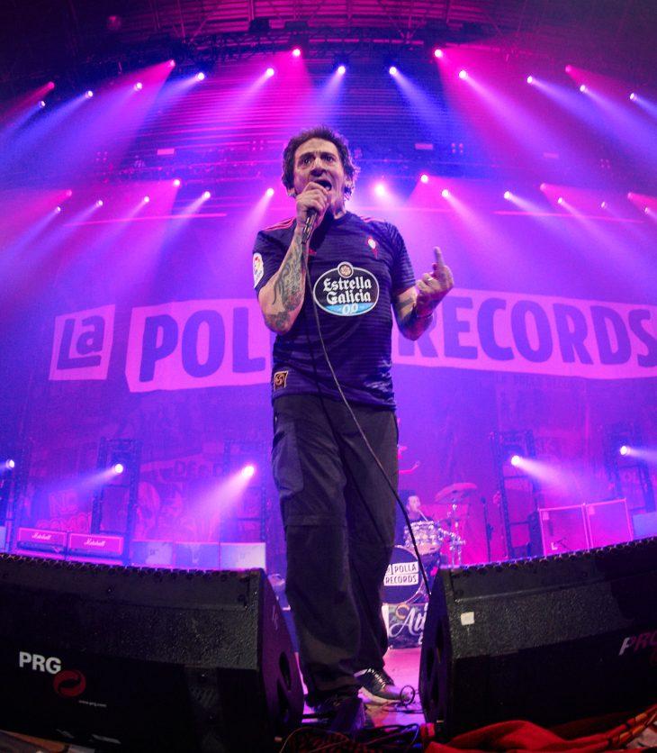 Evaristo al frente de La Polla Records