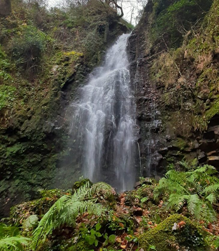 Cascada de Belaustegi en Orozko