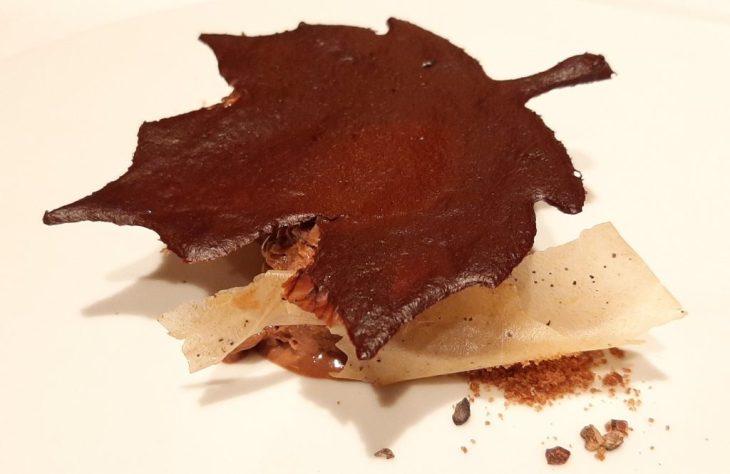 Cremoso de chocolate y crujiente de café