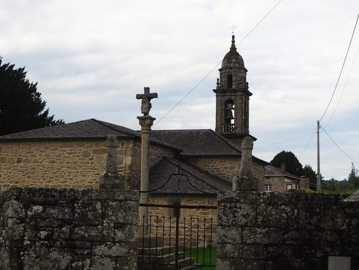 Iglesia de Santiago de A Capela