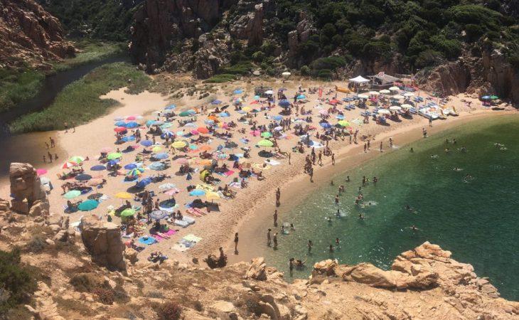 Playa de Li Cosi en Costa Paradiso