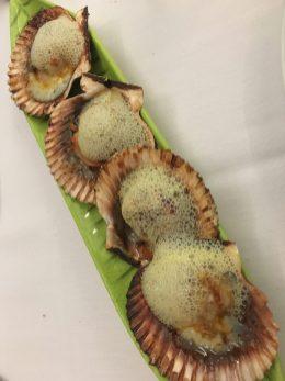 Zamburiñas con aire de leche de coco y curry