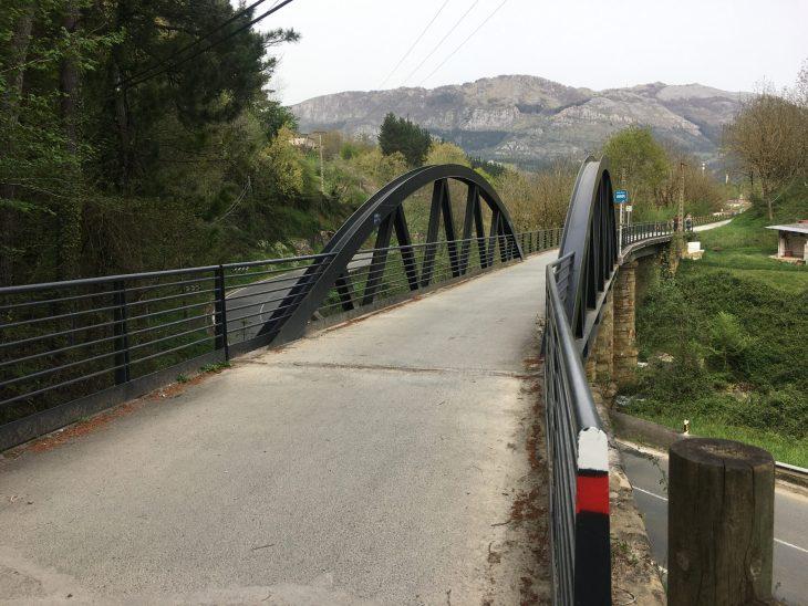 Vía Verde del Urola en bicicleta desde Azkoitia