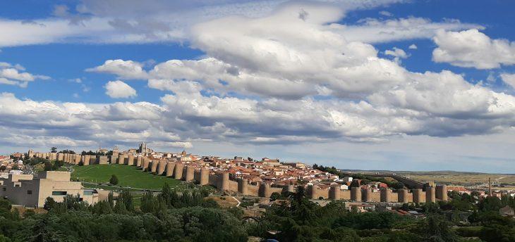 Muralla de Ávila desde el Hotel Cuatro Postes