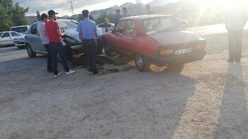 Askeri aracın da karıştığı zincirleme kazada 3'ü asker 8 kişi yaralandı