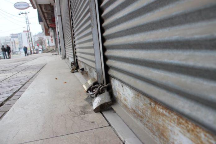 Sokağa çıkma yasaklarının uygulandığı 4 ayda, 24 bin 664 esnaf kepenk kapattı