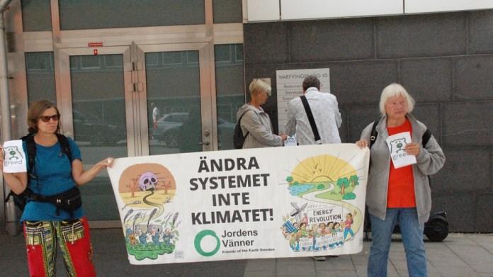İsveç'te petrol devi Preem protesto ediliyor