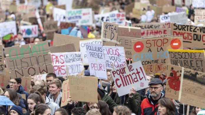 İsviçre ırkçılığa ve iklim değişikliğine karşı sokaklara çıkacak