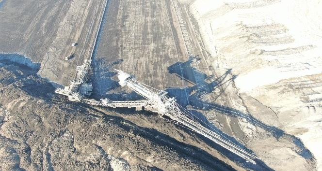 Milyonlarca metreküp toprak yer değiştirdi