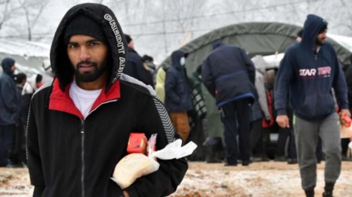 Bosna'da yüzlerce mülteci kar ve soğukta yaşamak zorunda