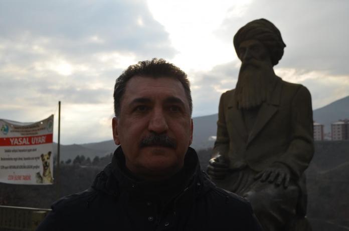 Ferhat Tunç, Dersim'de 36 yıl önce verdiği konserin kayıtlarını paylaştı