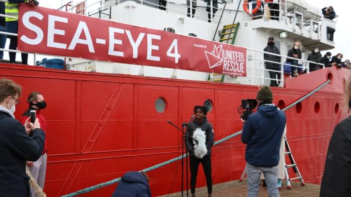 Akdeniz'de mültecilerin yeni umudu 'Sea-Eye-4'