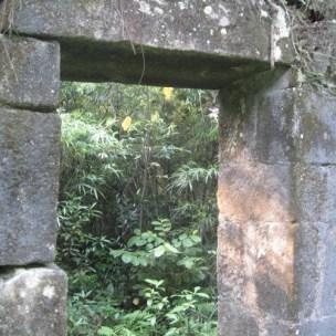 Tường đá Am Dược