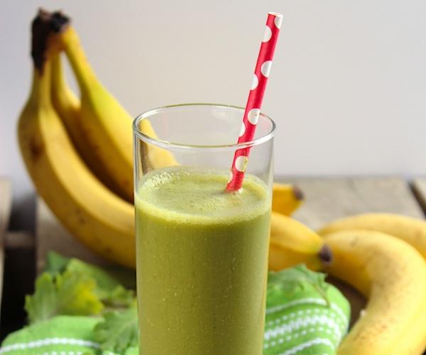 strawberry-banana-kale-smoothie-600x500-156622