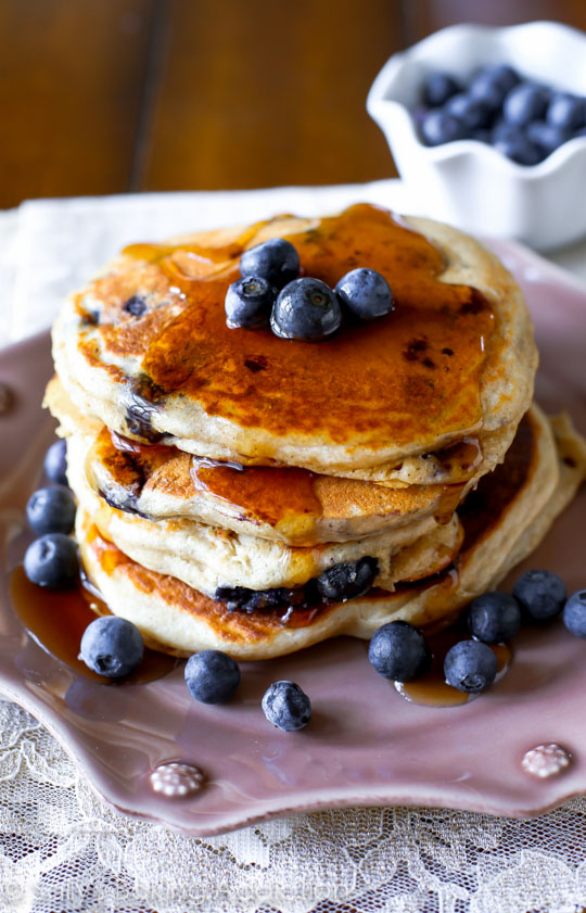 Whole-Wheat-Blueberry-Pancakes-on-sallysbakingaddiction.com-Fluffy-bursting-with-blueberries-healthy-and-so-good