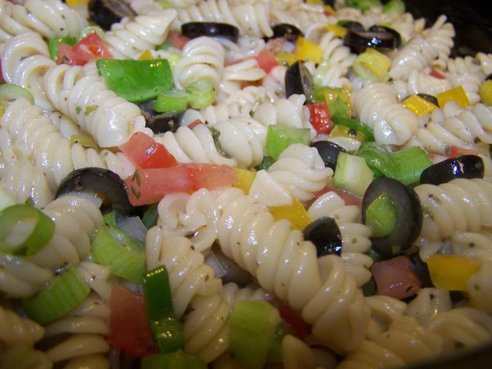 Spiral Pasta Salad with Marjoram Vinaigrette (2/2)