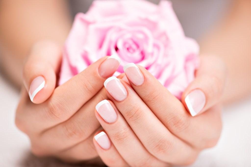 As melhores dicas para escolher a unha de noiva para o casamento