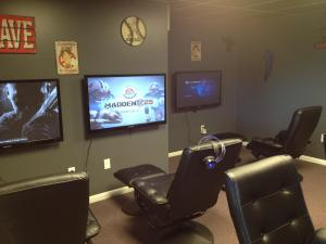 gamer gaming setup games rooms decor chair ps4 cool tv desktop decoration lounge bedroom wall wallpapers boys kid teen many