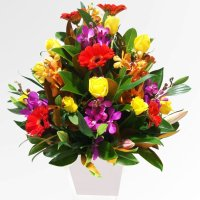 How to maintain your flower arrangements fresh and vibrant ...