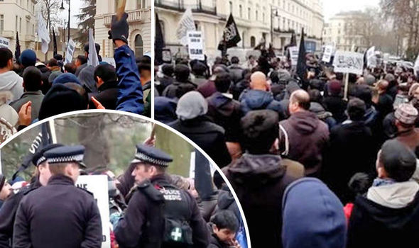 USA you'll pay!' UK Muslims chant Allahu Akbar in 2nd march in 3 days to demand Caliphate