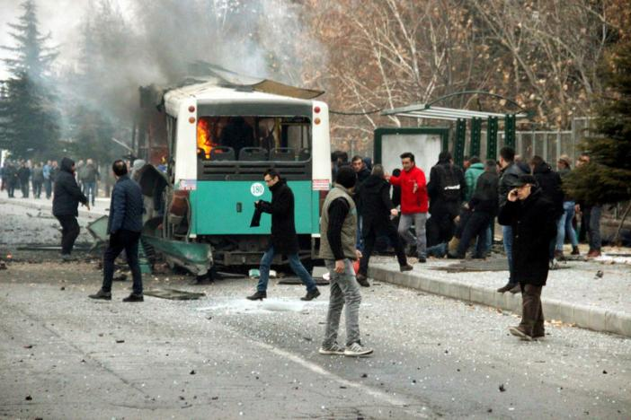 Thirteen Turkish soldiers killed, 48 wounded in car bomb attack