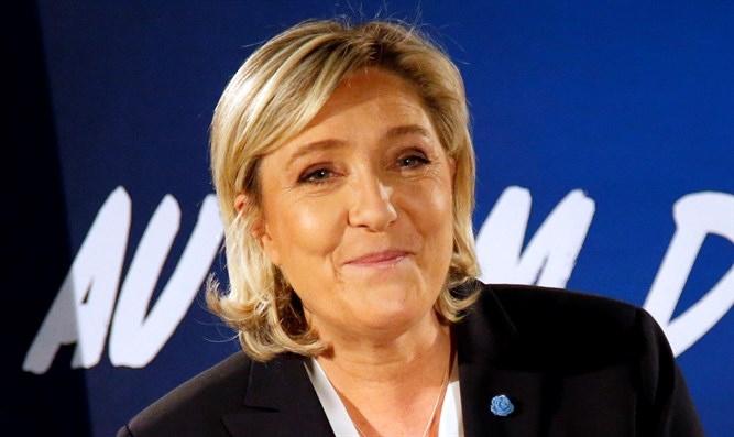 'Le Pen victory would send half of French Jews to Israel'  'Le Pen victory would send half of French Jews to Israel'