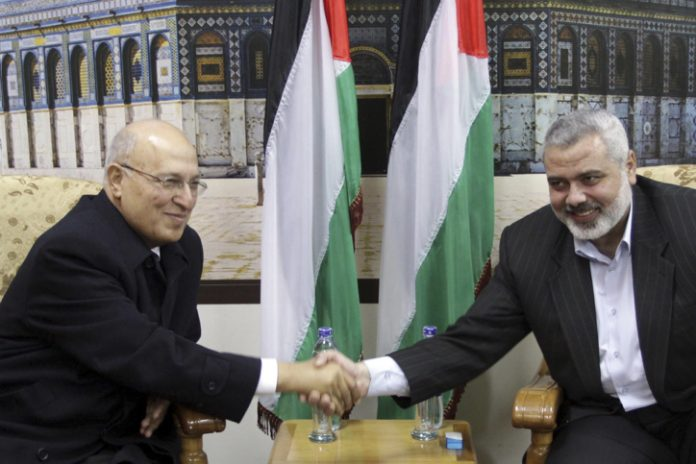 Palestinian Authority Official: No Negotiations Without Settlement Freeze