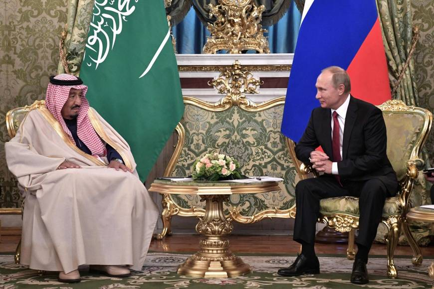 Saudi King asks Putin to help contain Iranian threat, accepts Russian gains in Syria