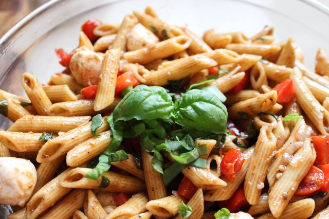 Balsamic Caprese Pasta Salad | Yes to Yolks
