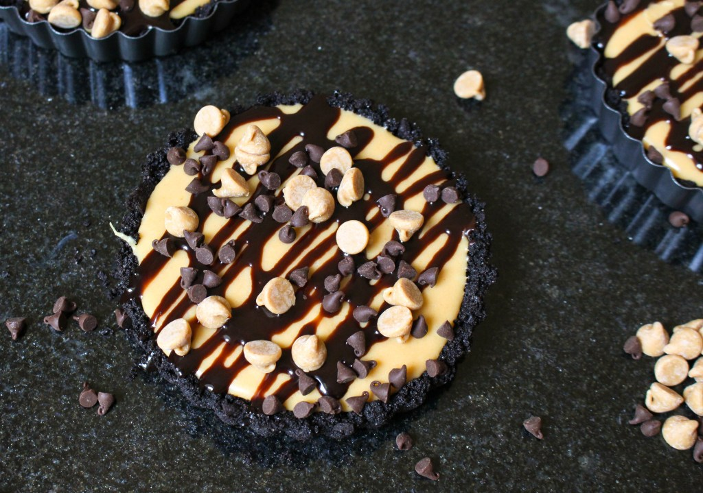Mini (No-Bake) Chocolate Peanut Butter Tarts | Yes to Yolks