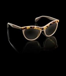 YesWeTrend. Gafas de Sol Cat Eye de Prada.