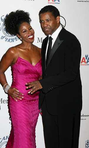 PAULETTA IS PROUD OF HER GOD GIVEN BLACK SKINNED BEAUTY AND THEREFORE SHE GOT HER BLACK MAN! LOOK AT HER BEAUTIFUL AFRO!