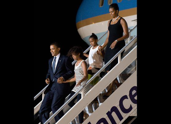 THE OBAMAS ARRIVING IN GHANA JULY 2009
