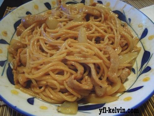 洋蔥豬頸肉炒意粉1
